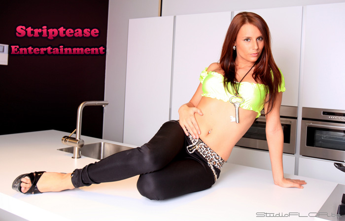 Keukentafel   Striptease Entertainment